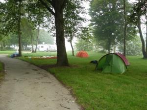 29 mai 08h36-Decize-Camping des Halles-les tentes