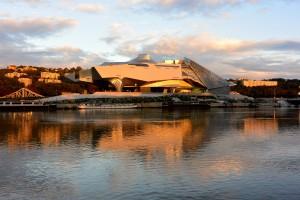 lever du soleil sur le Musée des Confluences