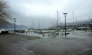 le port d'Aix-les-bains sous la pluie (photo : Jean-Christophe)