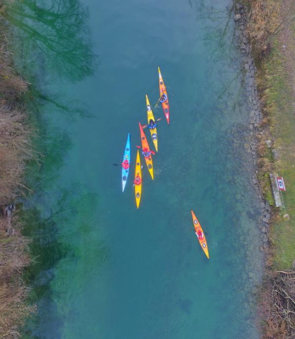Vue d'un drone sur le canal de Savière