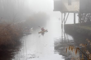 Embarquement sous la brume à Chanaz (photo : Annie)