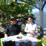 Hugo et Frédérique, au café Il Molo à Varenna